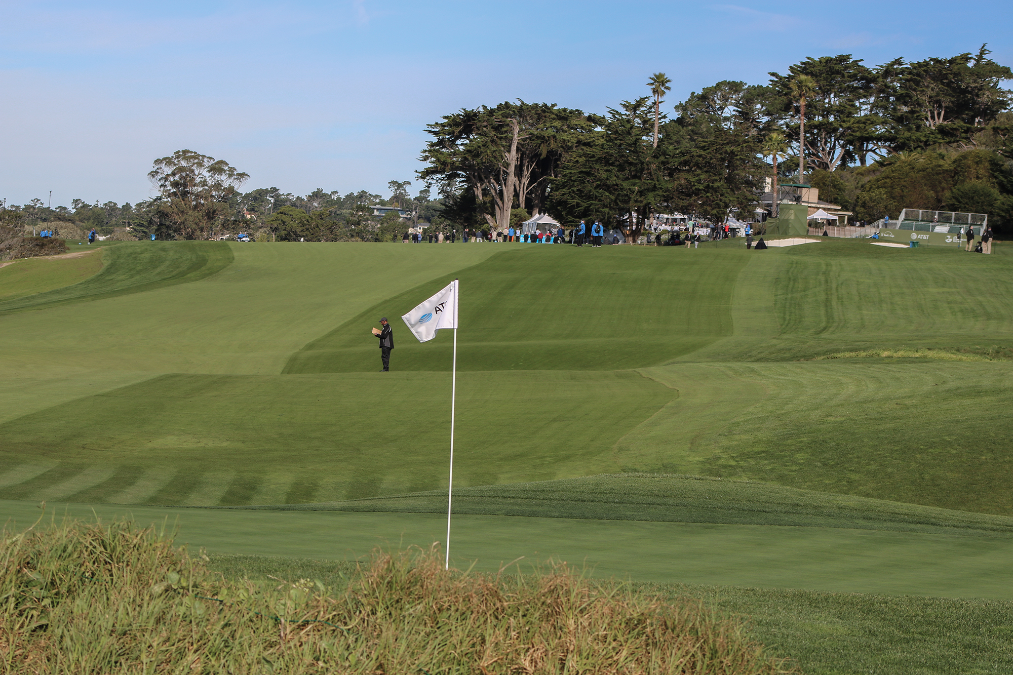 9th hole at Pebble Beach with rough lines