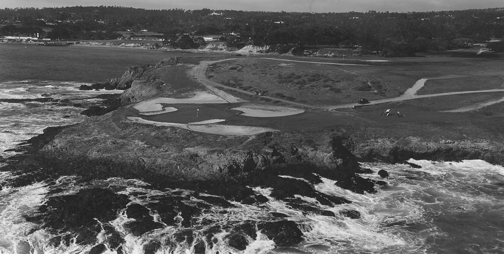 An aerial in 1963 shows more bunker movement, as well as some wear from the recently invented golf cart.